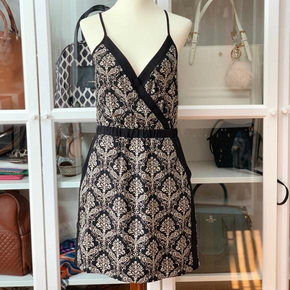Forever 21 Dresses & Skirts - Gorgeous Damask Print Dress
